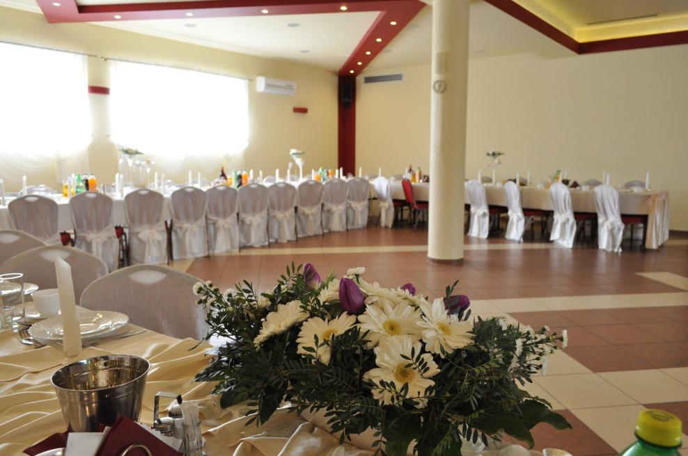 Ustawienie stołów na wesele